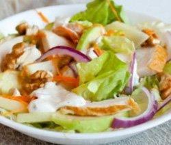 2774-salat-s-kopchenoy-kurochkoy-i-yablokom-1