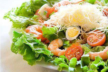 6252-salat-s-krevetkami-i-syrom-1